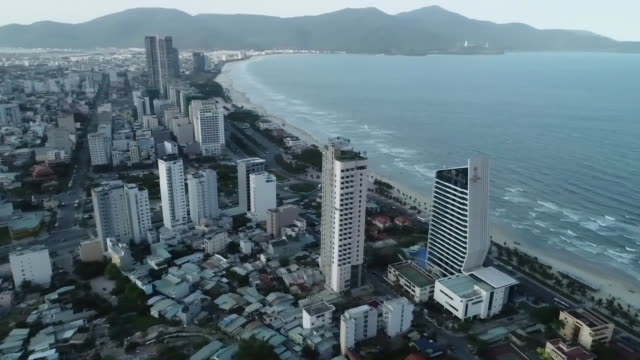vídeos de stock e filmes b-roll de drone panoramic shot above the my an district in da nang vietnam on march 6 2019 - aerial or drone pov or scenics or nature or cityscape