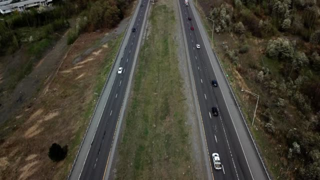 a drone pans up over highway 81 in wilkes-barre township pennsylvania - wilkes barre stock videos & royalty-free footage
