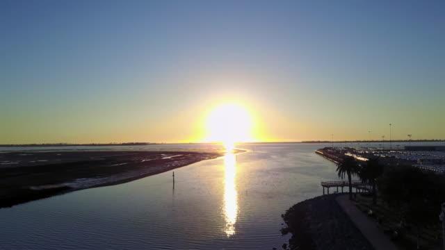 kswb drone pov pier 32 marina - marina stock videos & royalty-free footage