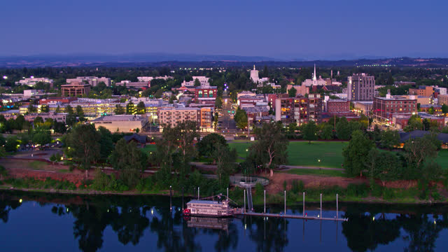 drone shot of downtown salem at nightfall - oregon us state stock videos & royalty-free footage