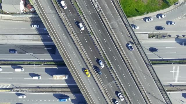 Drone schot van snelweg