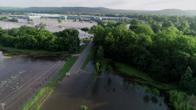 stockvideo's en b-roll-footage met drone shot of severe flooding in sand springs oklahoma - environment or natural disaster or climate change or earthquake or hurricane or extreme weather or oil spill or volcano or tornado or flooding