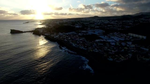ドローンショットポンタデルガダ, サンミゲル - アゾレス諸島点の映像素材/bロール