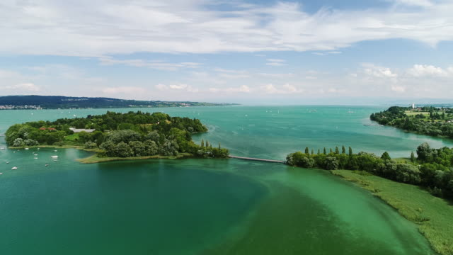 vidéos et rushes de drone shot showing scenery on lake konstanz, bavaria, germany - bavière