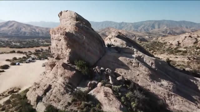 ktla drone pov vasquez rocks - vasquez rocks stock videos and b-roll footage