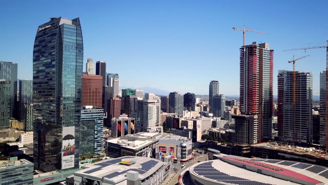 4k drone video of downtown los angeles and the freeways - conference centre stock videos & royalty-free footage