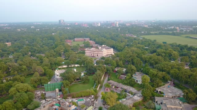 vídeos de stock e filmes b-roll de drone video of lahore, pakistan - paquistão
