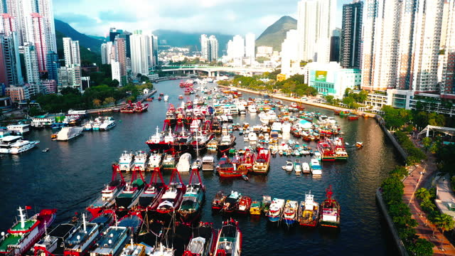 drone view of aberdeen bay, aberdeen, hong kong - hong kong island stock videos & royalty-free footage