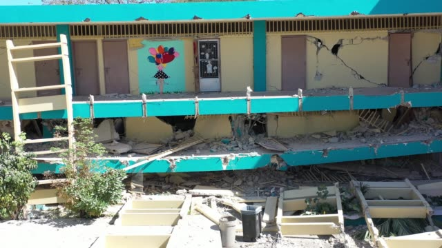 vidéos et rushes de a drone view of agripina seda school collapse in guanica puerto rico on janaury 11 2020 after 64magnitude earthquake hit guanica puerto rico on... - seda