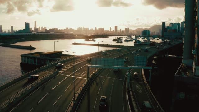 vídeos de stock, filmes e b-roll de vista drone de kwun tong promenade, kwun tong, kai tak, hong kong - kowloon