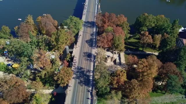 vídeos y material grabado en eventos de stock de drone view of prague - capitel