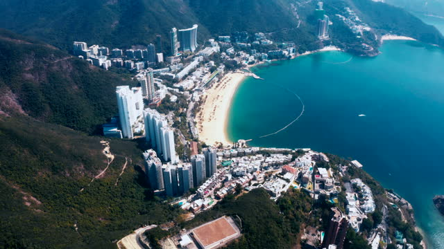 vidéos et rushes de vue de drone de baie de repulse, hong kong - baie eau