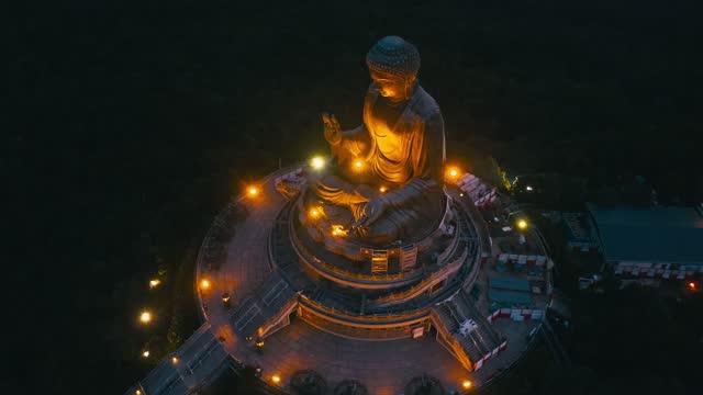 大仏のドローンビューは夕方に点灯します - 最大点の映像素材/bロール