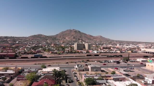 a drone view of the border wall, shutdown, corona, deserted freeways, el paso, texas, usa and ciudad juarez, mexico - chihuahua stock videos & royalty-free footage