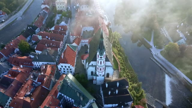 vidéos et rushes de drone view of the most beautiful czech town - culture tchèque