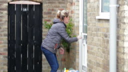 Dropping Goods at Doorstep