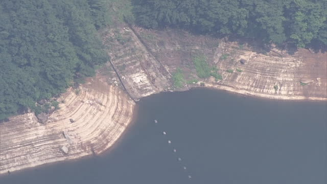 aerial, drought kusaki dam, gunma, japan - depth marker stock videos & royalty-free footage