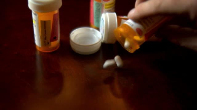 (verschreibungspflichtige medikamente - prescription medicine stock-videos und b-roll-filmmaterial