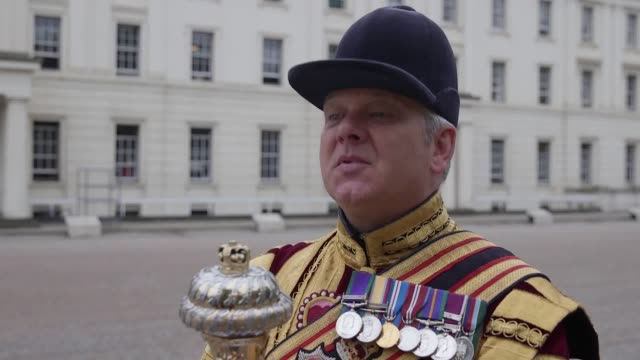 drum major steve staite is poised to parade in his final trooping the colour during a day which will also mark the end of his four decade career in... - queen's birthday stock videos & royalty-free footage