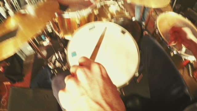 stockvideo's en b-roll-footage met pov van trommel - drummer
