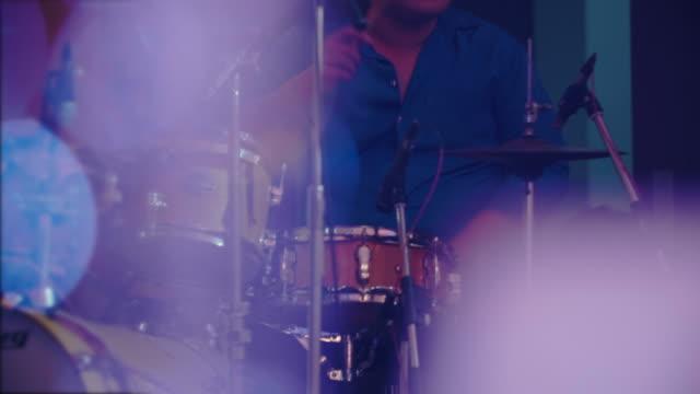 ドラムのコンサート - ジャズ点の映像素材/bロール