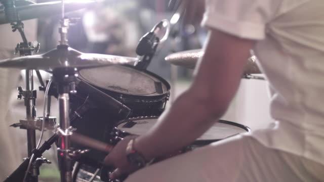CU: Drummer uitvoeren