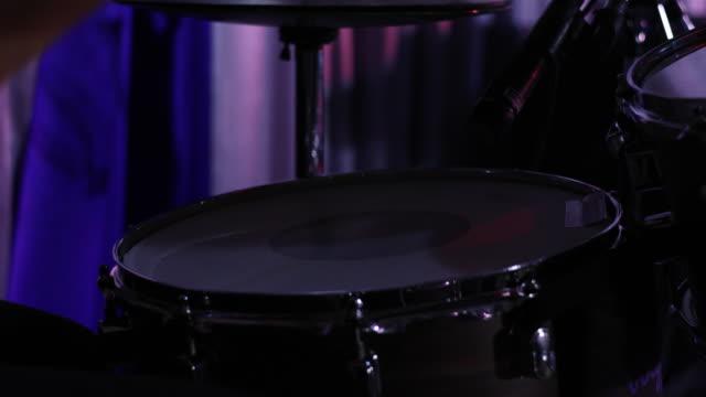 Schlagzeuger die Solo-Konzert
