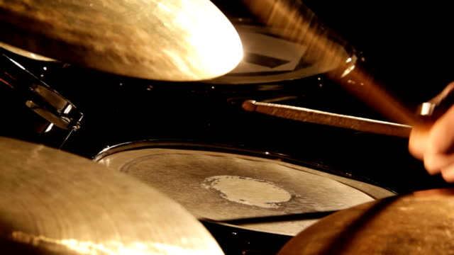 drumming - schlagzeug - frau stock videos & royalty-free footage