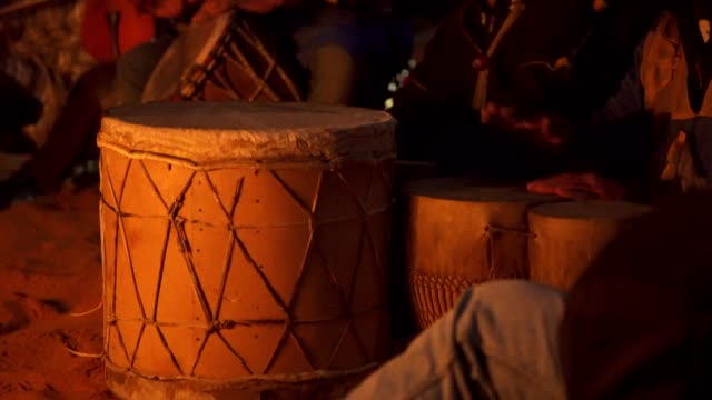 drumming on a desert - drum percussion instrument stock videos & royalty-free footage