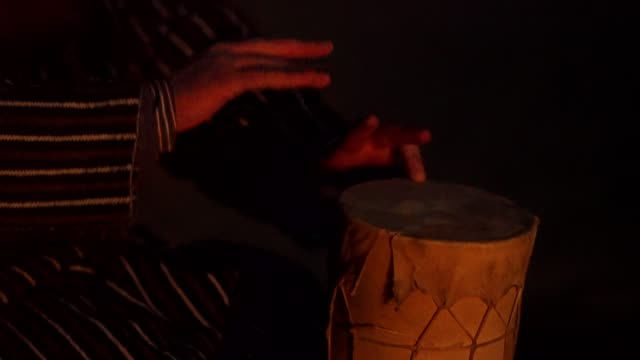 Drumming on a desert