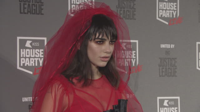 dua lipa at kiss house party halloween party at sse arena on october 26 2017 in london england - セレブリティ点の映像素材/bロール