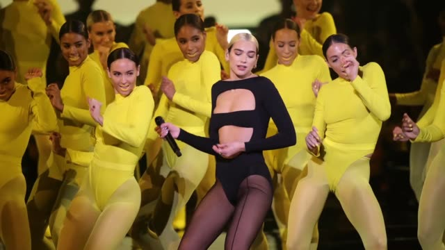 dua lipa performs on stage during the mtv emas 2019 at fibes conference and exhibition centre on november 03, 2019 in seville, spain. - mtv europe music awards stock videos & royalty-free footage