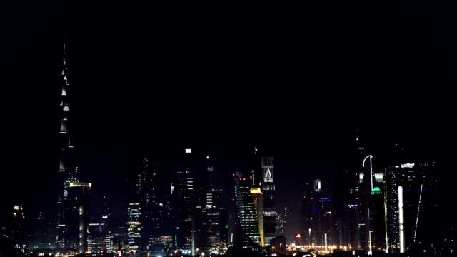 vídeos y material grabado en eventos de stock de dubai en el centro de noche - dubái