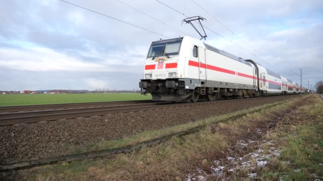 Dubbeldekstrein tussen Osnabrück en Hannover