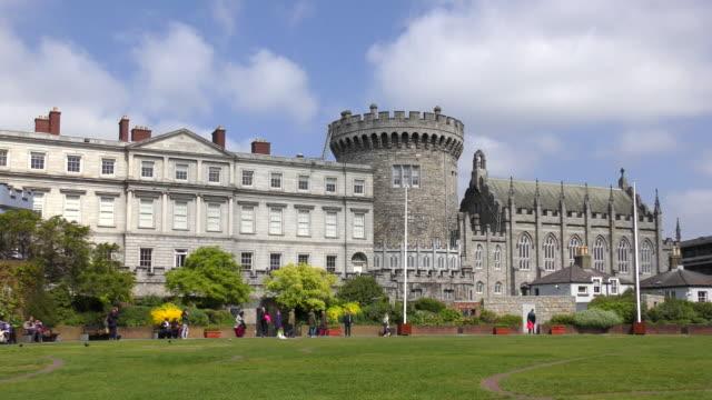 vidéos et rushes de dubhlinn garden - dublin, irlande - château