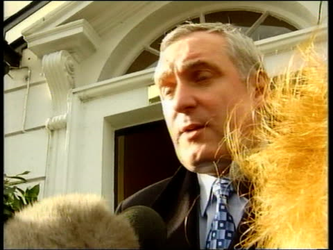 stockvideo's en b-roll-footage met dublin la cms bertie ahern speaking to press sot the world wants to know if its really going to happen / know it cannot happen overnight northern... - david trimble