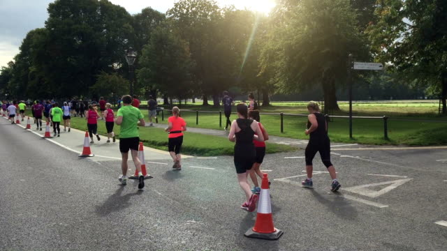 ダブリンのマラソン - 参加者点の映像素材/bロール