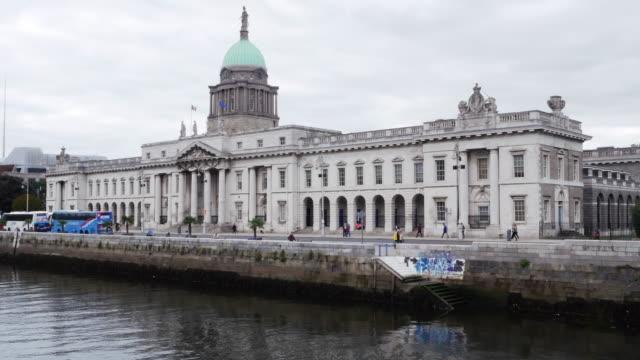 Dublin The Custom House On Custom House Quay