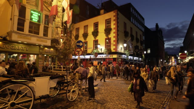 Dublin Traditional Pubs In Temple Bar Area