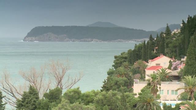 stockvideo's en b-roll-footage met dubrovnik at adriatic sea - bedektzadigen