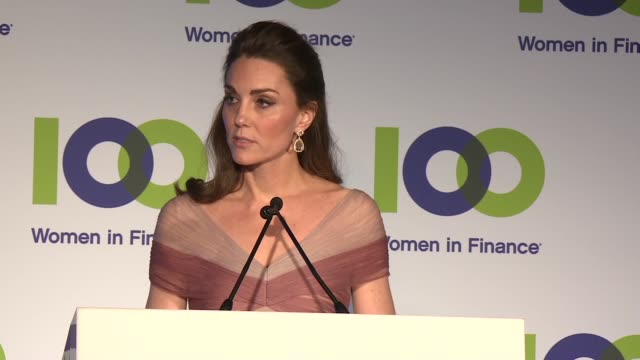vídeos de stock, filmes e b-roll de duchess of cambridge attends 'mentally healthy schools' arrival and speech at gala dinner at the v&a museum; england: london: victoria & albert... - gala