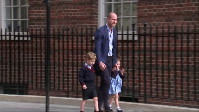 duchess of cambridge gives birth to baby boy cutaway london paddington ext prince william duke of cambridge along with his children prince george and... - waving stock videos & royalty-free footage