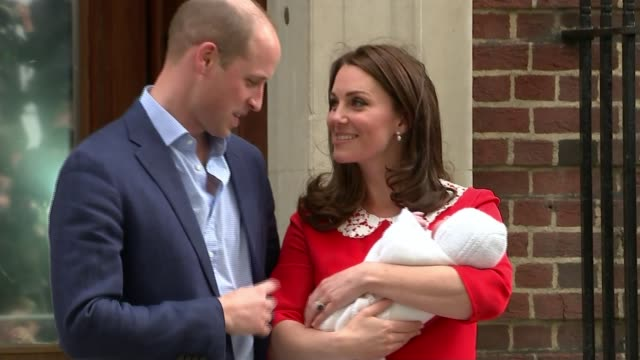 duchess of cambridge gives birth to baby boy england london paddington st mary's hospital ext prince william duke of cambridge and catherine duchess... - principe persona nobile video stock e b–roll