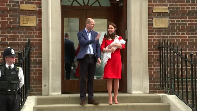 duchess of cambridge gives birth to baby boy england london paddington st mary's hospital lindo wing ext prince william duke of cambridge and... - photo call stock videos & royalty-free footage