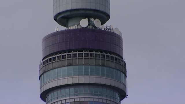announcement and reactions bt tower england london tower displaying the message it's a girl after the birth of princess charlotte elizabeth diana the... - it's a girl stock videos & royalty-free footage