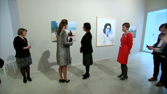 duchess of cambridge visits turner contemporary gallery england kent margate photography** catherine duchess of cambridge getting out of car and... - kent england stock-videos und b-roll-filmmaterial
