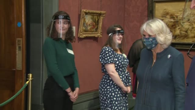duchess of cornwall visits the national gallery; england: london: the national gallery: int camilla, duchess of cornwall arriving and meeting lord... - {{relatedsearchurl(carousel.phrase)}} video stock e b–roll
