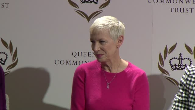 vídeos de stock e filmes b-roll de duchess of sussex joins panel discussion to mark international women's day england london king's college london int annie lennox speaking sot at... - king's college