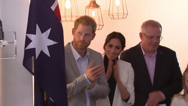 duchess of sussex scales back engagements during australasia tour australia sydney photography*** close shot meghan duchess of sussex indigenous... - ロイヤルツアー点の映像素材/bロール