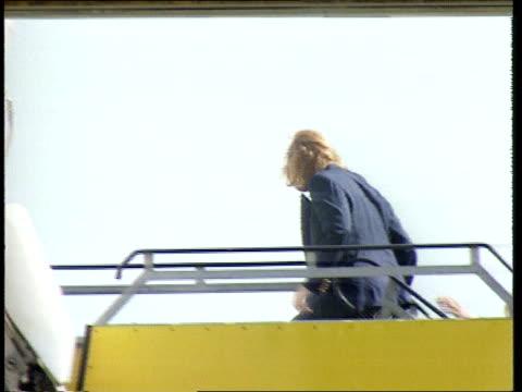 duchess of york leaves balmoral / diana tapes; b) scotland: balmoral: ext airv balmoral castle track r-l sarah, duchess of york as driving away in... - サラ ファーガソン点の映像素材/bロール
